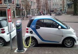 سيارة تعمل بالكهرباء