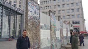 عمر الحياني - حدران برلين - مؤتمر الجدران المتساقطة للعلوم 2018م